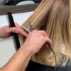 Tesoura Elétrica que cauteriza os fios é a novidade do Hairstylist Tiago Cardoso