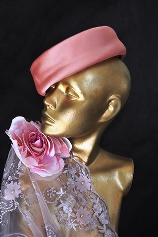 Resultado de imagem para Manual de uso para headpieces e chapéus de casamento pelo olhar do Atelier Madame Olly